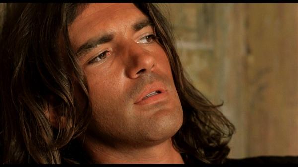 Mask Of Zorro Desperado Actor Antonio Banderas Turns 60 In Covid Isolation Industry Global News24